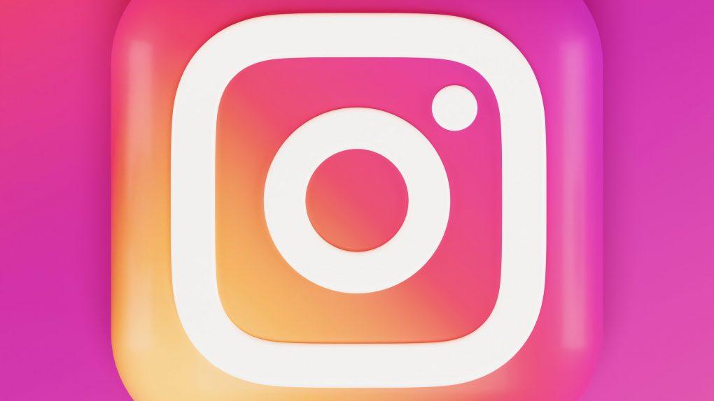 Kaip pasidalyti kito įrašu Instagrame